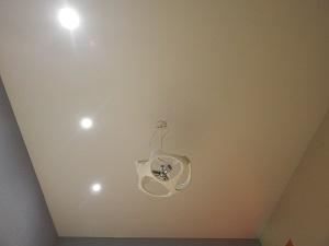 матовый потолок фото