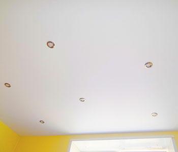 сатиновые натяжные потолки фото