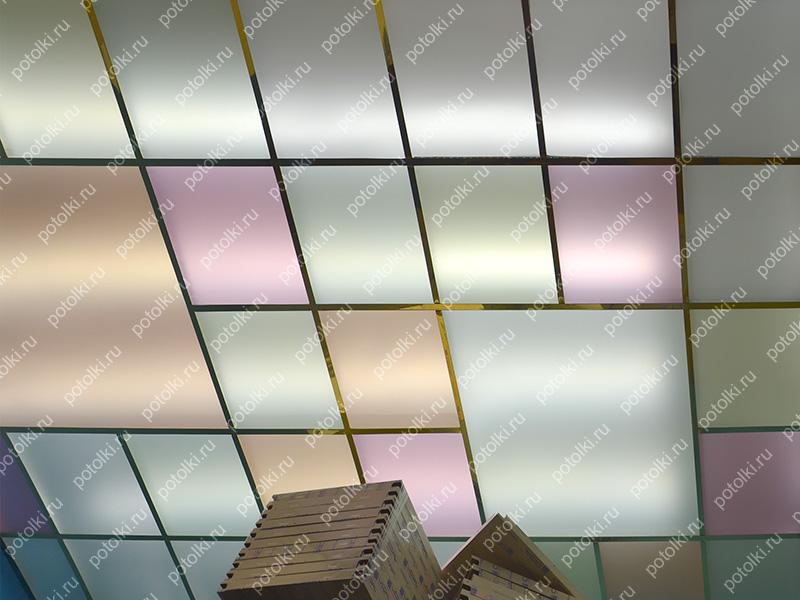 Стеклянный цветной потолок с подсветкой