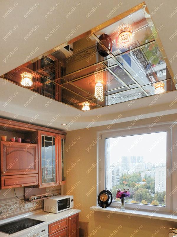 Витражный зеркальный потолок