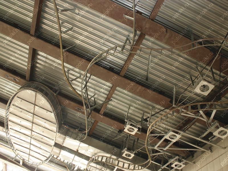 Глянцевые или матовые натяжные потолки, Полезные статьи - Мир потолков